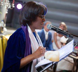 Engelse presentatrice - ceremoniespreker