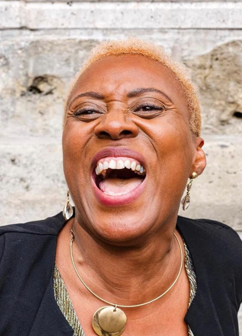 about me Clover Jean jazz, soul & gospel zangeres laughing out loud