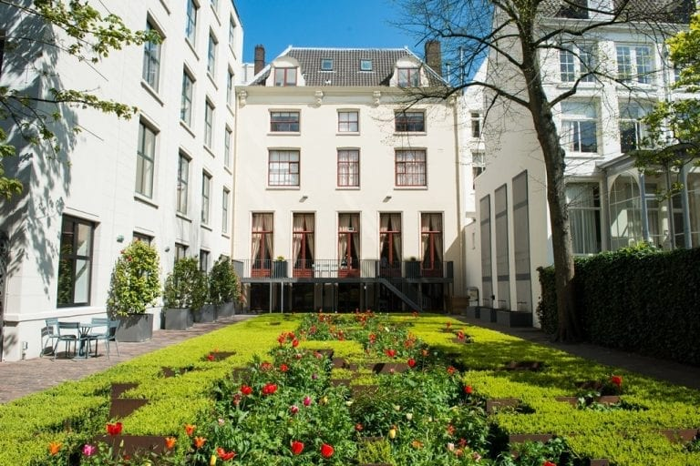 gorgeous garden wedding venue at museum herengracht in Amsterdam