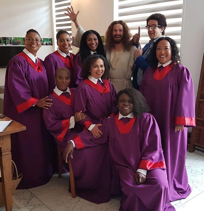 gospelkoor boeken soulkoor dressed in red and purple gospel gowns